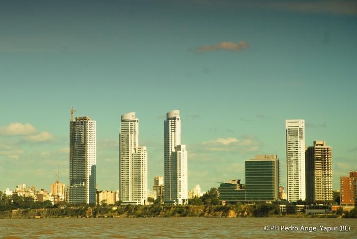 Edificios desde la isla